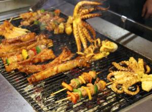 Phiên chợ cuối tuần ở đà nẵng rất thu hút khách du lịch