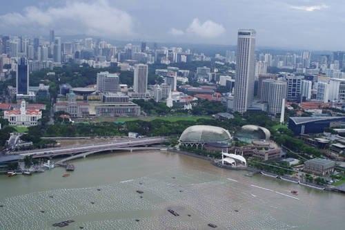Du lịch Singapore có rất nhiều điều thú vị khiến khách du lịch ko khỏi trầm trồ bái phục        Top-3-diem-an-choi-sang-chanh-o-singapore-2