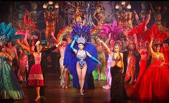 Show Alcazar ở Pattaya - Buổi biểu diễn hoành tráng