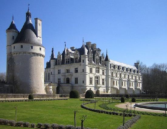 Kinh nghiệm đi du lịch Pháp tự túc chi tiết nhất
