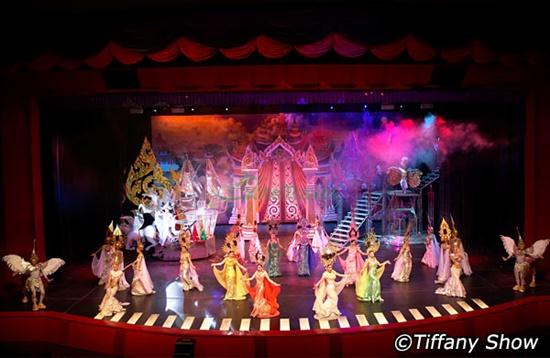 Tiffany Show trình diễn Cabaret số 1 ở Pattaya