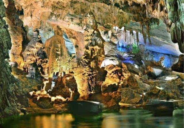 Tour Du lịch HUẾ PHONG NHA 1 ngay