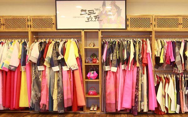 Thuê Hanbok ở Cung Điện Gyeongbok