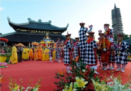 Tour du lịch Tràng An - Bái Đính - Hang Múa