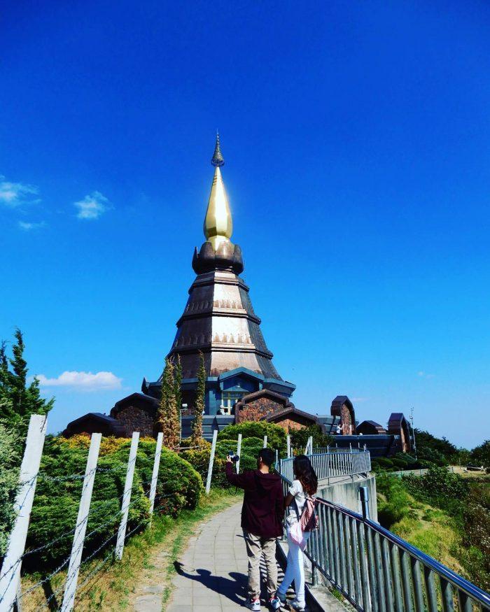 Cặp đôi chụp hình - Tất tần tật kinh nghiệm du lịch Chiang Mai Thái Lan