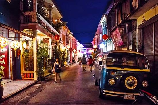 Khám phá khu phố cổ Phuket