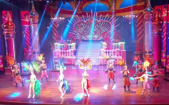 Alcazar Cabaret show ở Pattaya Thái Lan