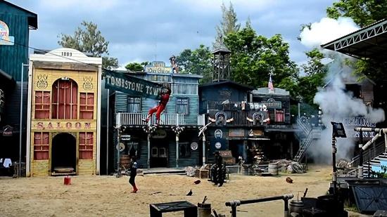 Hollywood Cowboy Stunt Show