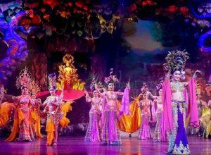 Thưởng Thức Show Alcazar Cabaret, Pattaya, Thái Lan