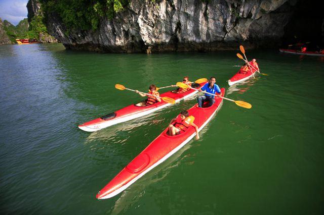 Tour Du Lịch Cát Bà 3 Ngày 2 Đêm Kayaking